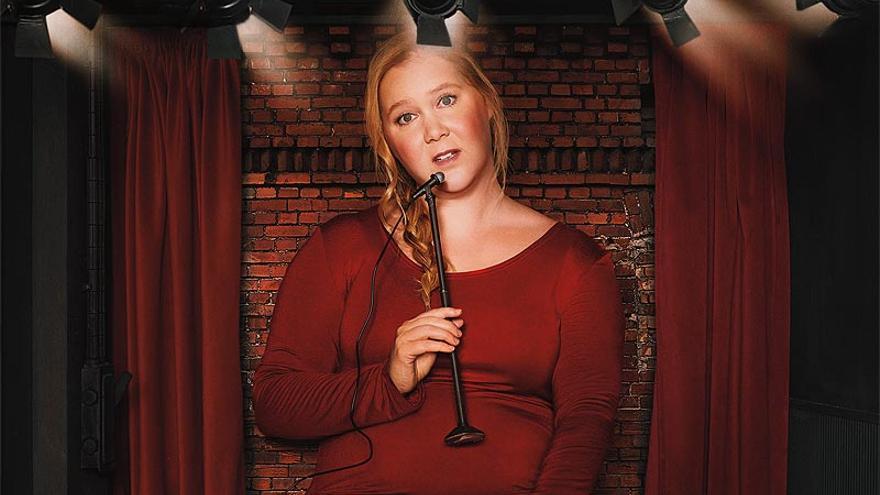 Amy Schumer en el cartel promocional de 'Growing'