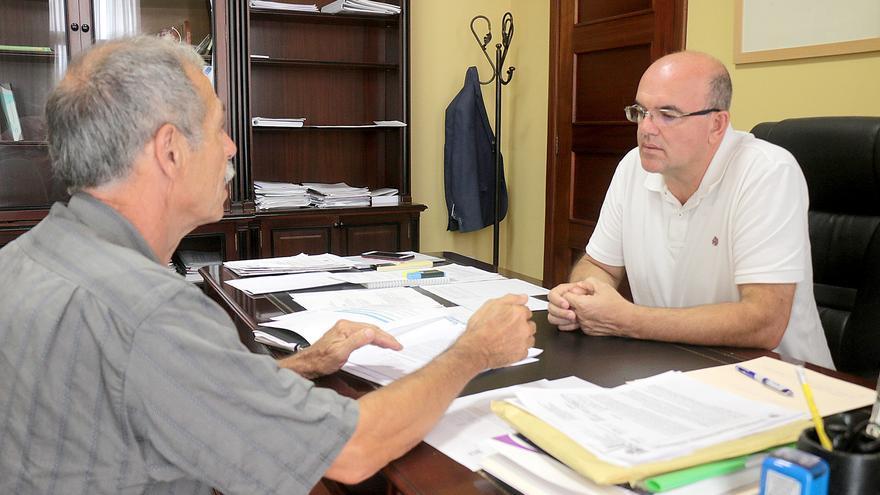 Firma del convenio con El Frescal.