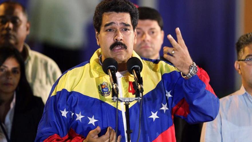 """Venezuela y Colombia lanzarán un plan para """"triturar"""" el contrabando, dice Maduro"""