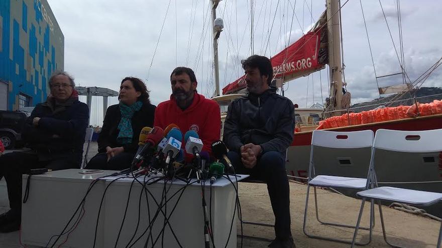 Joan Manuel Serrat, Ada Colau, Óscar Camps y Jordi Villacampa