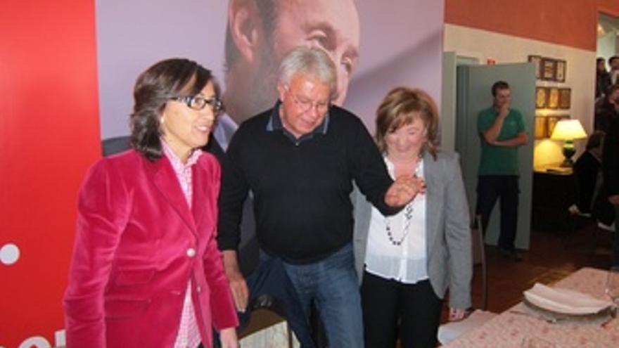 Aguilar, González Y La Dirigente Del PSOE Cordobés Soledad Pérez Al Inicio Del C