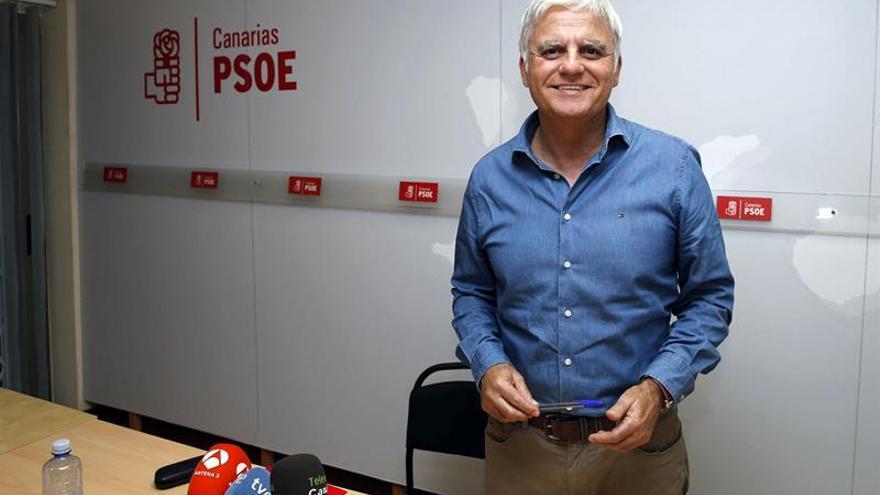 José Miguel Pérez, en la rueda de prensa en la que anunció la dimisión de su cargo al frente de la Secretaría General del PSOE de Canarias