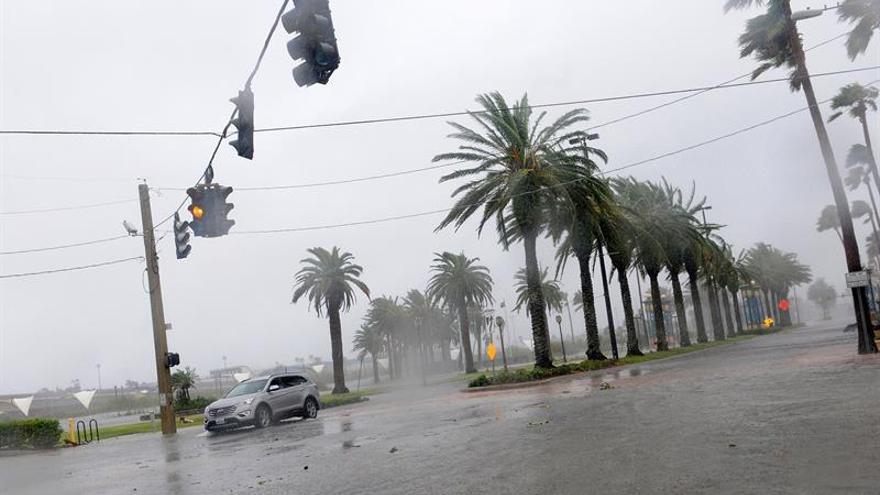 Nicaragua, en alerta por huracán Otto, amanece con lluvias, vientos y oleajes