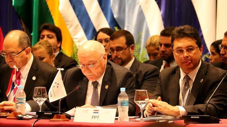 """Los cancilleres del Mercosur coinciden en """"dar un vuelco"""" para lograr integración"""