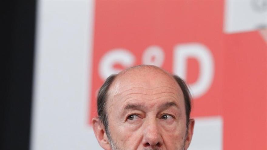 Rubalcaba admite que dación en pago no es mejor solución y apuesta por obligar a los bancos a renegociar deuda
