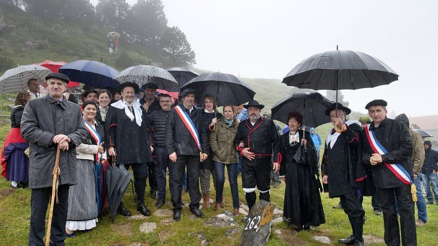 Barkos asiste a la ceremonia del Tributo de las Tres Vacas, el tratado transfronterizo en vigor más antiguo de Europa