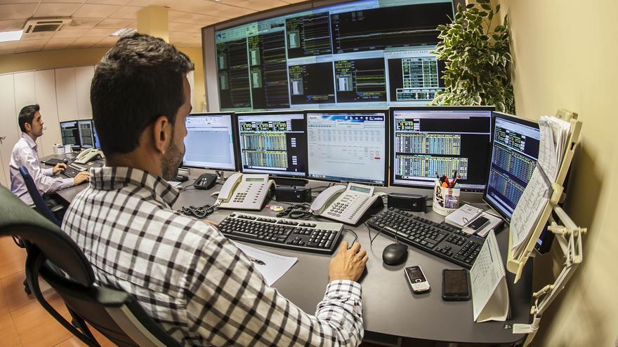 La nueva tecnología permite manejar grandes volúmenes de datos.