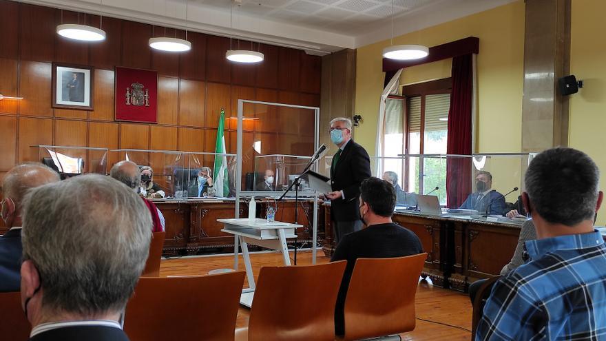 Archivo - Fernández de Moya respondiendo al interrogatorio durante el juicio de Matinsreg/Archivo