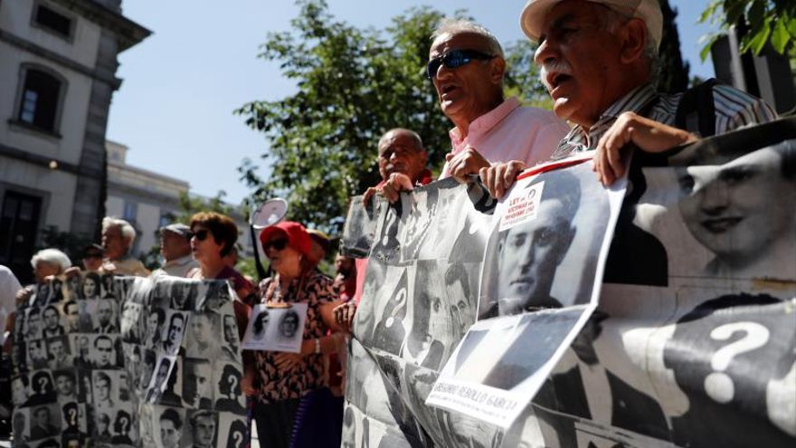 El Supremo suspende la exhumación de Franco hasta que dicte sentencia