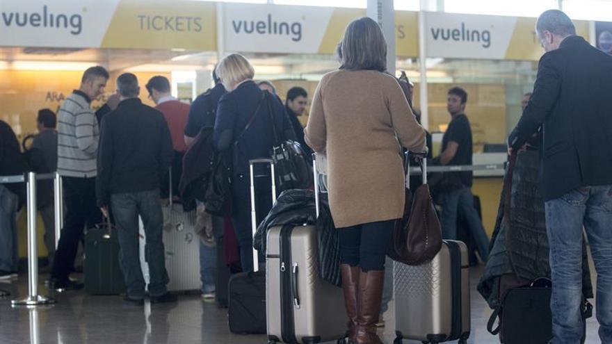 La huelga de controladores franceses obliga a cancelar 34 vuelos en España