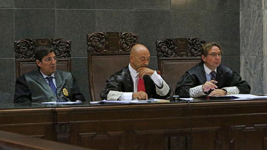 César García Otero, Antonio Doreste y Salvador Alba, en el juicio del Caso Patronato