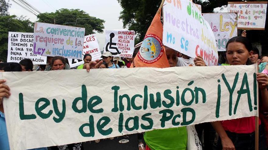 Salvadoreños con discapacidad exigen Ley de Inclusión y respeto a derechos
