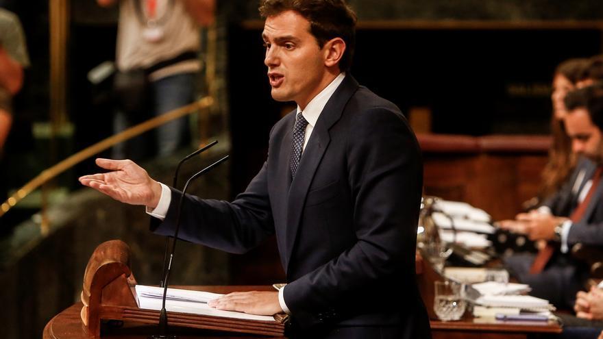 """Investidura (16)- Rivera arremete contra Sánchez y su """"banda"""" que da sillones a Podemos y cede ante los independentistas"""