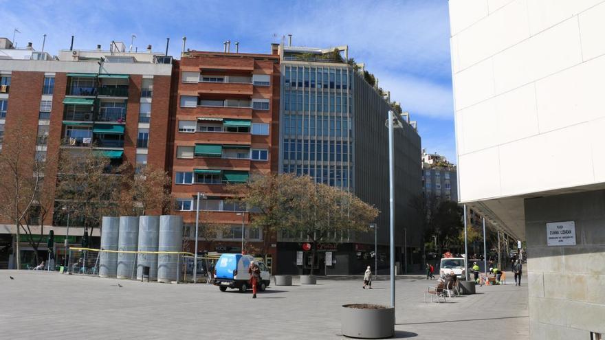 Placa de la plaza Anna Lizaran, en el distrito del Eixample de Barcelona