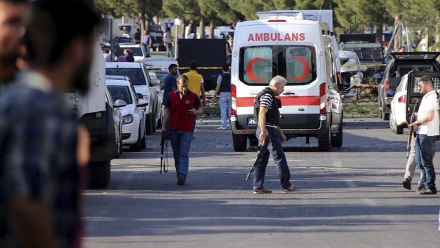 Turquía eleva de 4 a 16 el número de muertos en una explosión en Diyarbakir