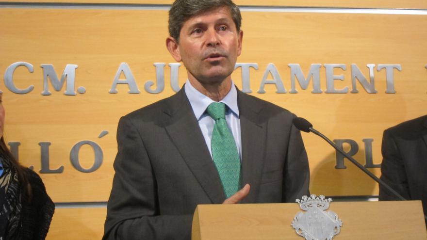 """Bataller dice que es """"absolutamente falso"""" que haya recibido regalos y estudia acciones legales contra el PSOE"""