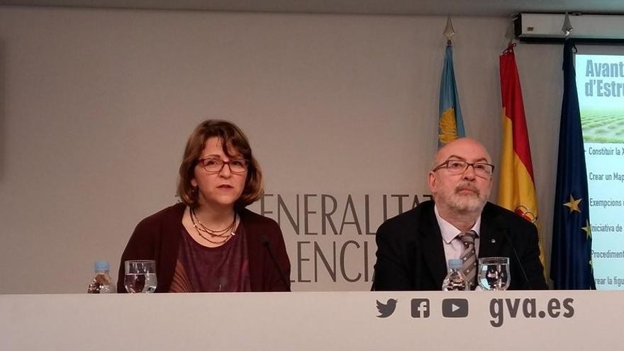 Los consellers valencianos Elena Cebrián y Manuel Alcaraz en rueda de prensa