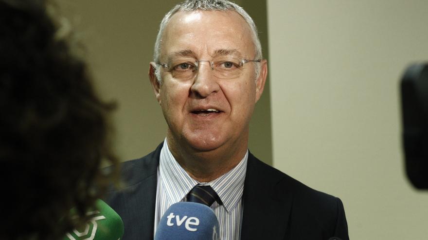 Jesús Caldera proclama su apoyo a Susana Díaz y critica que Pedro Sánchez cuestione el proceso de primarias