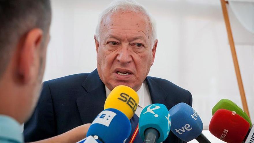 Margallo sugiere que Santamaría sea candidata del PP a la Comunidad de Madrid