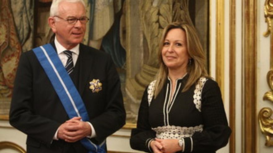 Ex presidente del PE Hans-Gert Pottering y Trinidad Jiménez