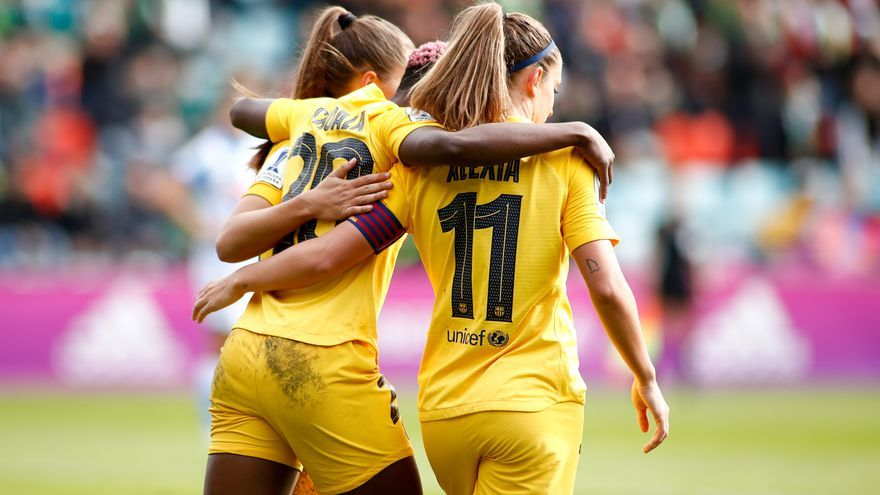 La jugadora Asisat Oshoala, del FC Barcelona, celebra un gol durante la Supercopa de España Femenina