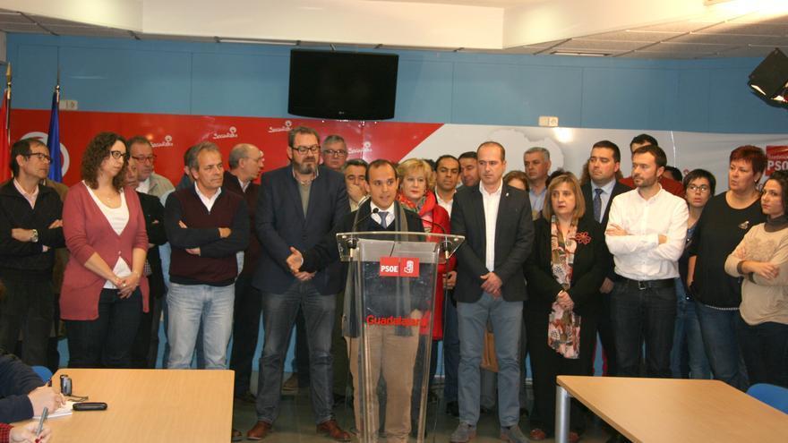 Pablo Bellido arropado por la plana mayor del PSOE Guadalajara