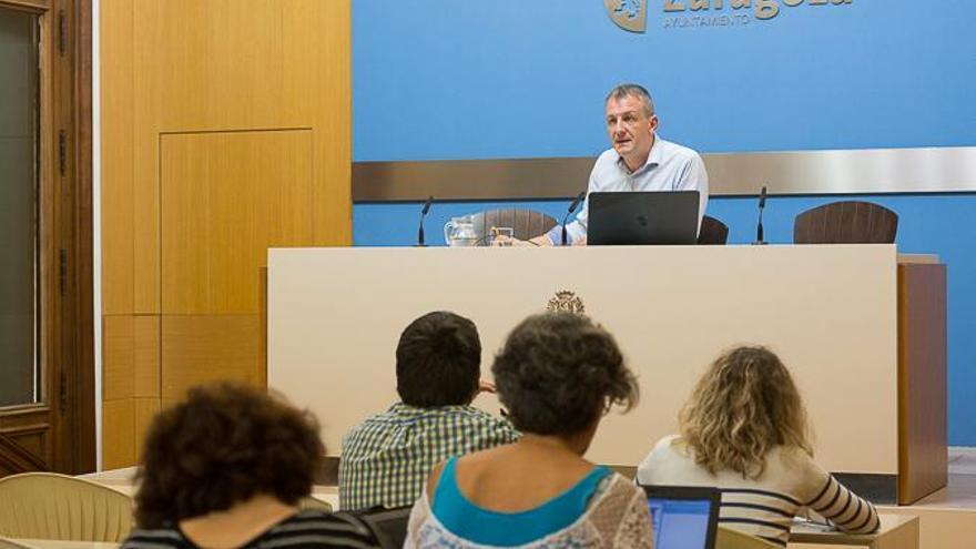 Fernando Rivarés, consejero de Economía, Hacienda y Cultura del Ayuntamiento de Zaragoza.