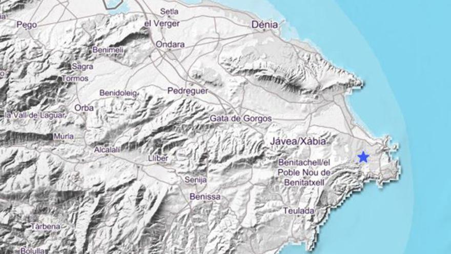 El mapa de la comarca en el Instituto Geográfico Nacional muestra el punto exacto del epicentro, entre Xàbia y Benitatxell.