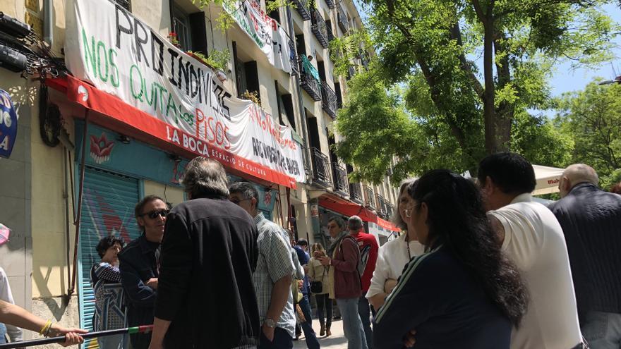 Concentración de los vecinos de Argumosa 11, en Lavapiés.