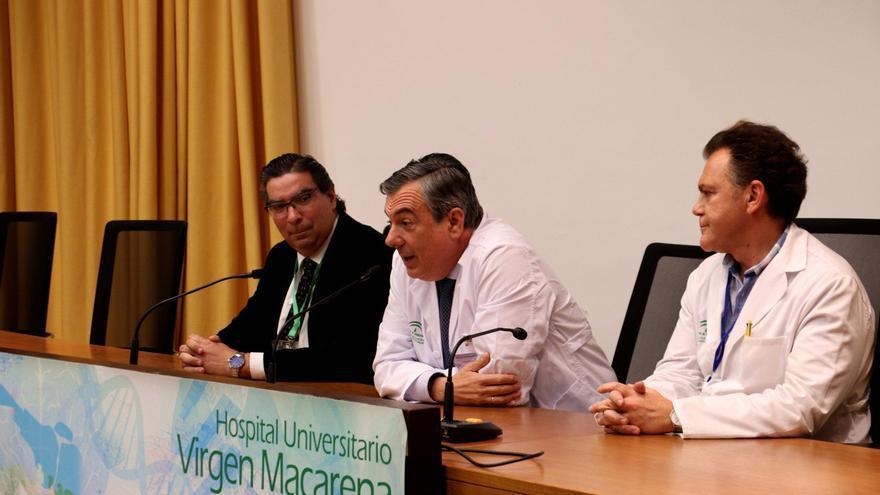 Presentación del nuevo gerente del Hospital Virgen Macarena a los directivos del centro.