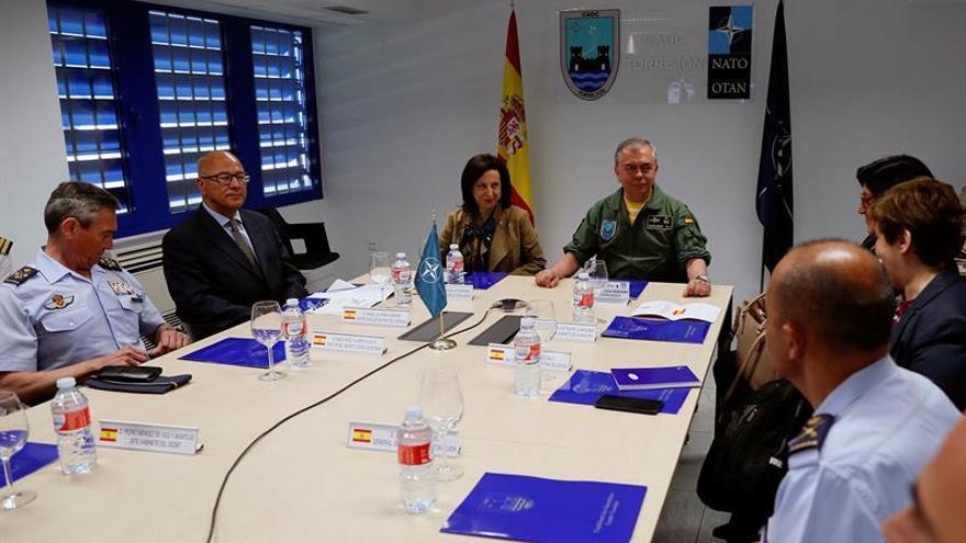 Robles reconoce el enorme papel de las fuerzas armadas como garantía de paz