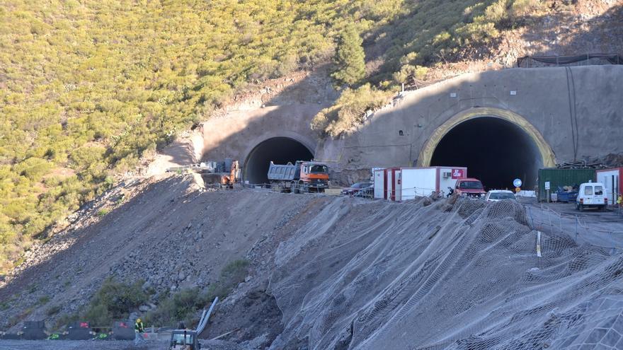 El Gobierno repara las grietas del Túnel de El Bicho por la via de urgencia