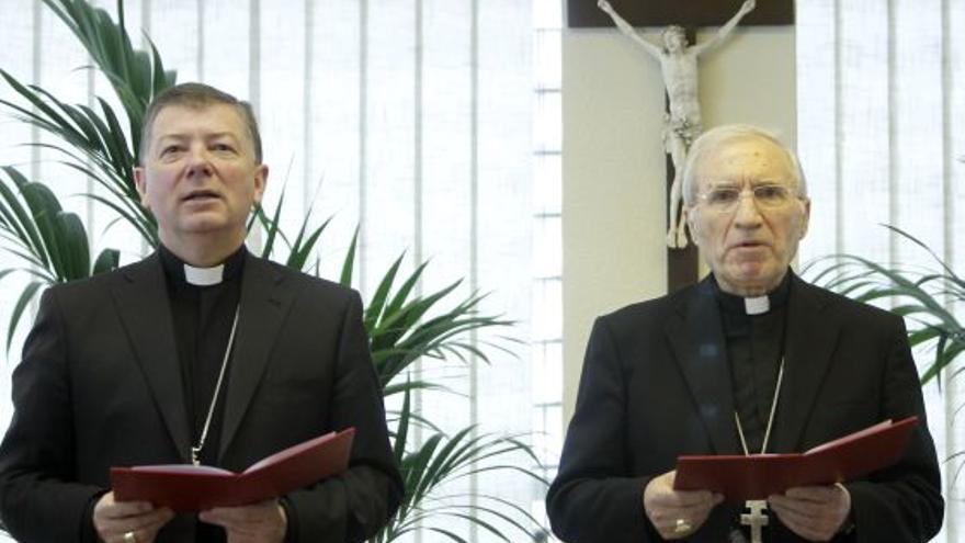 Martínez Camino, junto a Rouco Varela