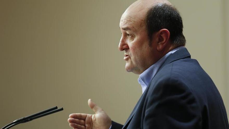 Ortuzar: Ni Trump ni el camarada Iglesias resolverán las injusticias