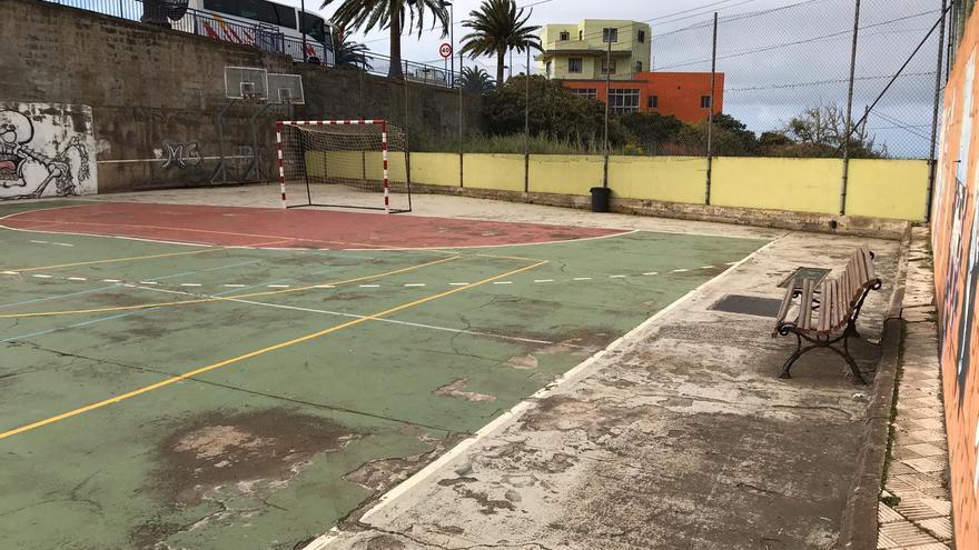 Imagen de la cancha deportiva del CEO de Barlovento facilitada por el PP.