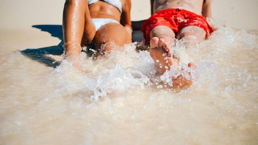 Cinco consejos para estar moreno todo el verano sin jugarte la piel.