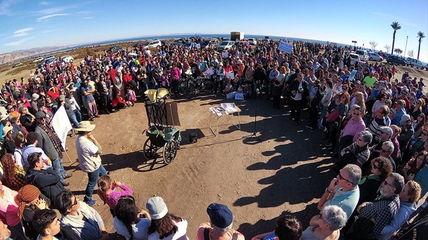 Masiva concentración (foto: Juanjo Plaza)