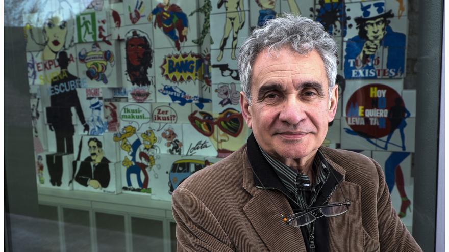 El creador de 'Obabakoak', tras la entrevista en Vitoria-Gasteiz. /SANTOS CIRILO