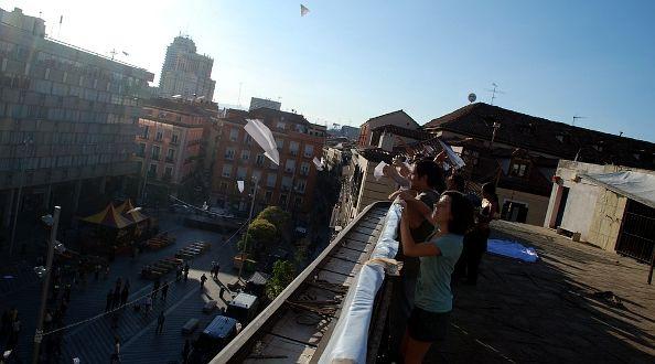 Activistas en la azotea del edificio 'okupado' | Foto: CENTRODEMEDIOS.ORG