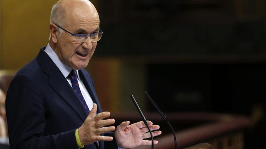 Duran reclama diálogo a Rajoy, quien fija el límite en la unidad de España