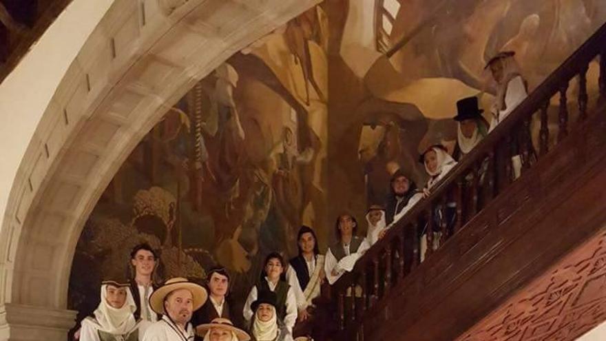 La Escuela Municipal de Folclore de Santa Cruz de La Palma organiza a  partir del próximo 22 de abril un taller monográfico dedicado al baile  de la folía,