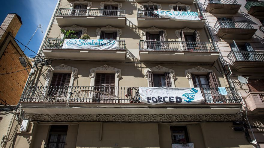 El edificio en lucha de la calle Leiva 37 de Barcelona