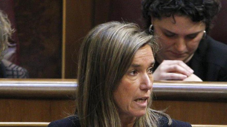 El PP rechaza que Mato y De Guindos expliquen sus políticas contra la pobreza