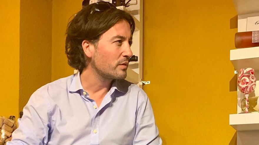 """Ricardo F. Colmenero horas antes de la presentación de """"Literatura infiel"""" en la librería Colette de Murcia."""