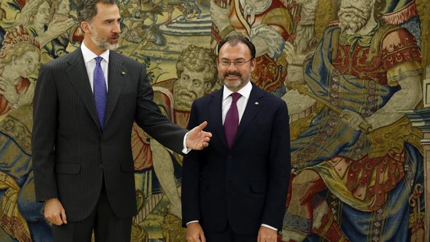 El Rey se reúne en Zarzuela con el ministro de Exteriores de México