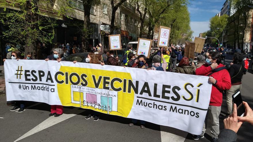 Pancarta de cabecera de la manifestación por la Casa de Cultura de Chamberí