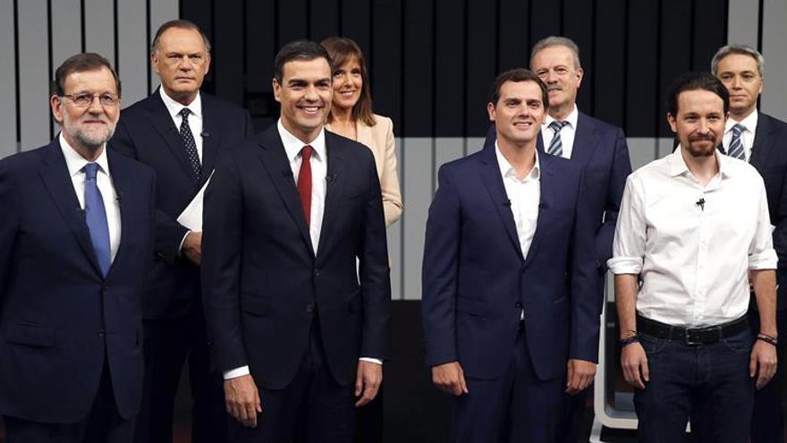 Los cuatro candidatos principales, en el debate que mantuvieron en campaña.