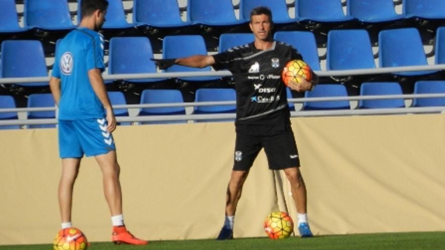 Pep Martí en su primer entrenamiento en el Mundialito con el CD Tenerife. (Página oficial CD Tenerife).