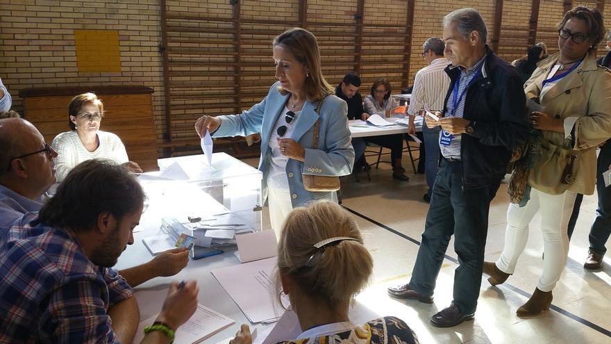 """Ana Pastor anima a votar porque de eso """"depende el futuro de todos"""" y la """"estabilidad"""" de Galicia"""