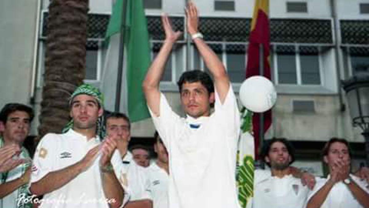 Loreto, en la celebración del ascenso de 1999.